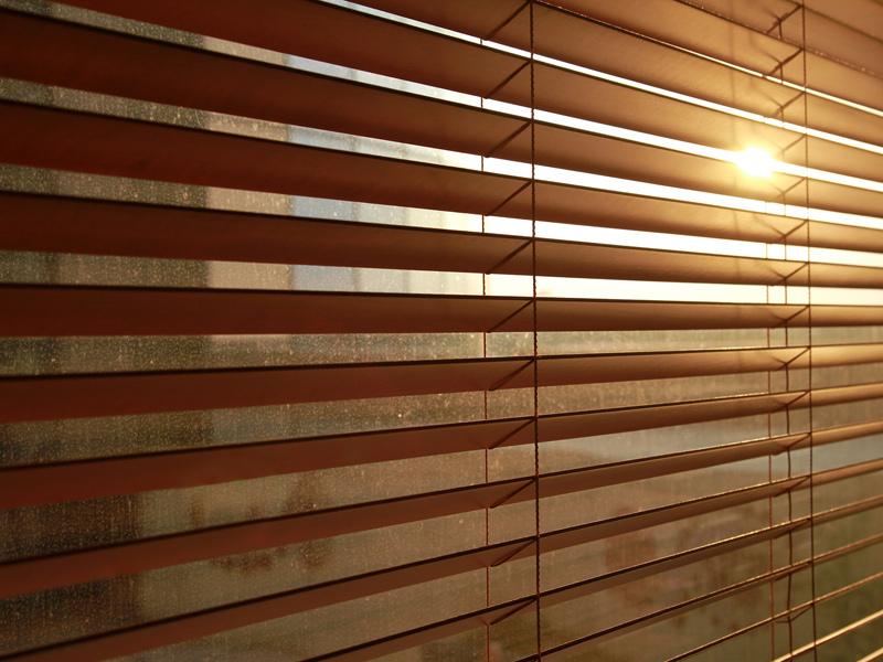 Instalacion veneciana madera barcelona - Venecianas de madera ...
